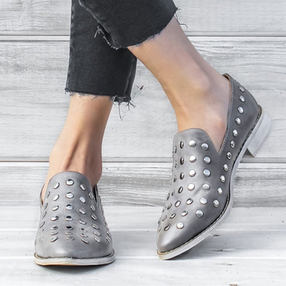a7e06787848 NWOT | Vegan | Scottie Studded Ankle | Gray 7.5